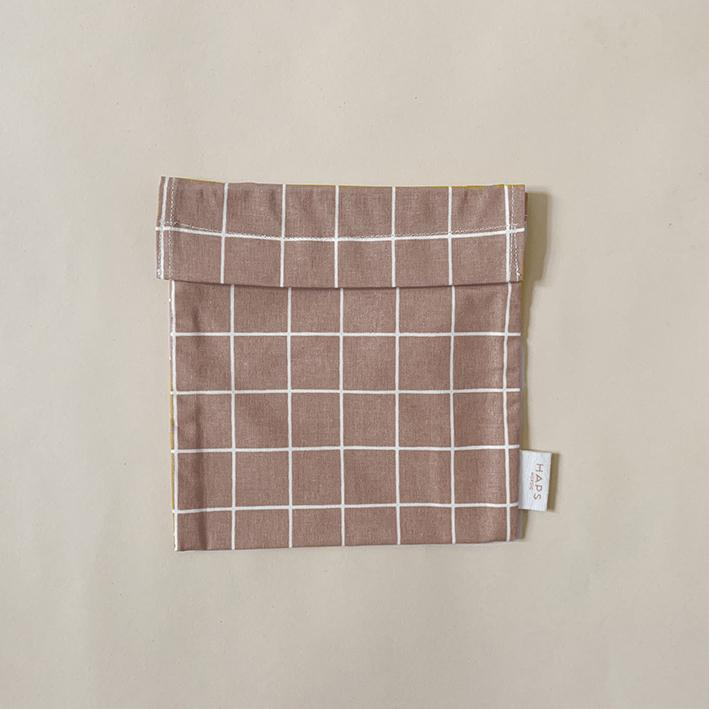 Haps Nordic Reusable Sandwich bags in rose powder colour with a velcro closure.  Washable, sustainable snack bags. Canadian Retailer. Shop Online