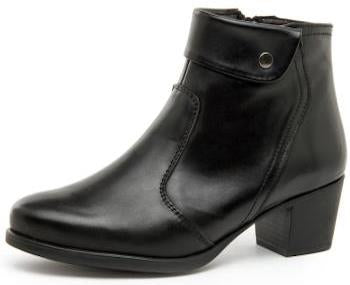 Desiree Black Ankle Boots with Stud Detail (Style Diane Negro)