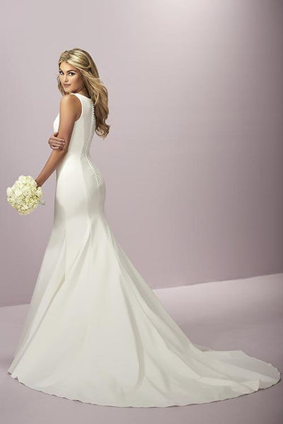 18EL058 Wedding Dress Size 10 Ivory