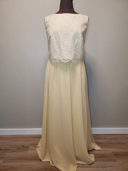 22EL937 Celebration Gown Size 24