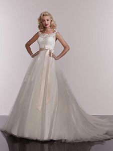18EL924 Wedding Dress Size 16 White