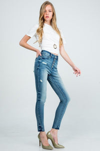 HIGH RISE SKINNY WITH DESTROY