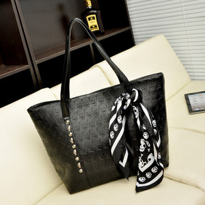 The Skull Tote - Goth Mall