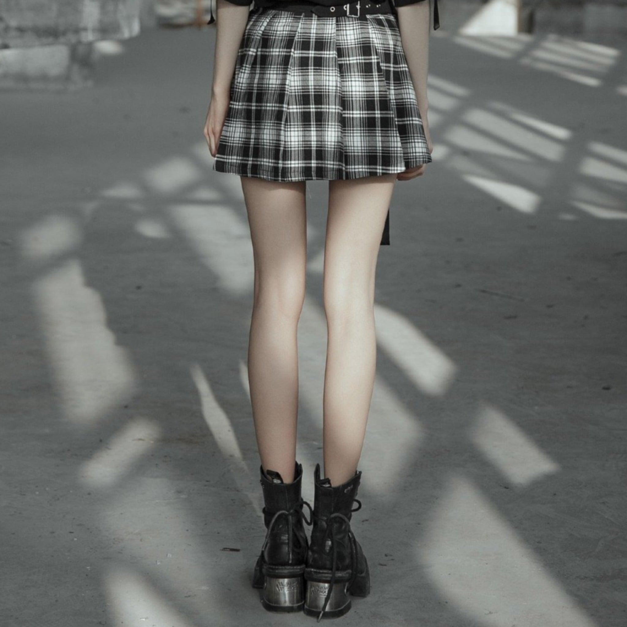 Unchained Alice Skirt - Goth Mall