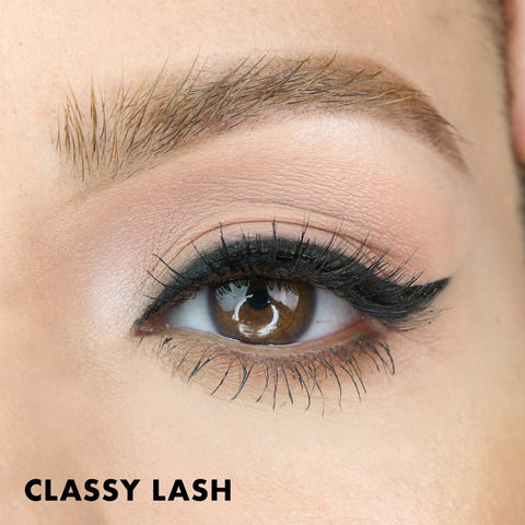 Classy magnetic lash style is a natural false eyelash that is also in the Wedding Lash Kit.