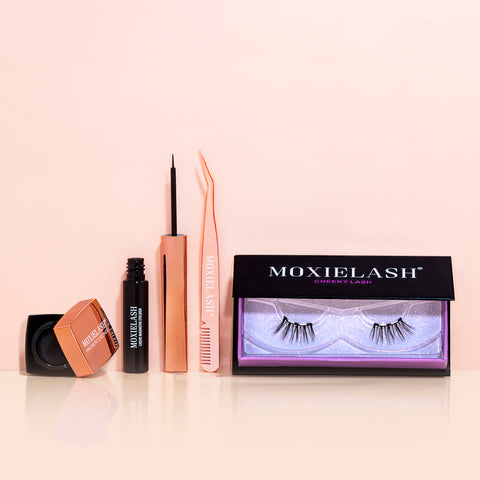 Here is the best combination for magnetic eyeliner and lashes for a sweet and cheeky look.