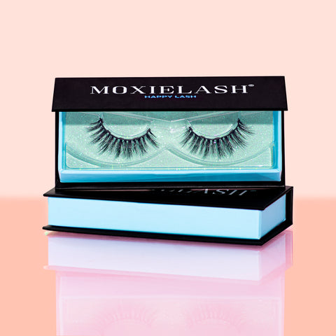 Get this gorgeous full and flirty magnetic lash style from MoxieLash!