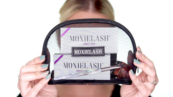 Here is what the Luxe Bag looks like in the MoxieLash Natural Lash Kit unboxing!
