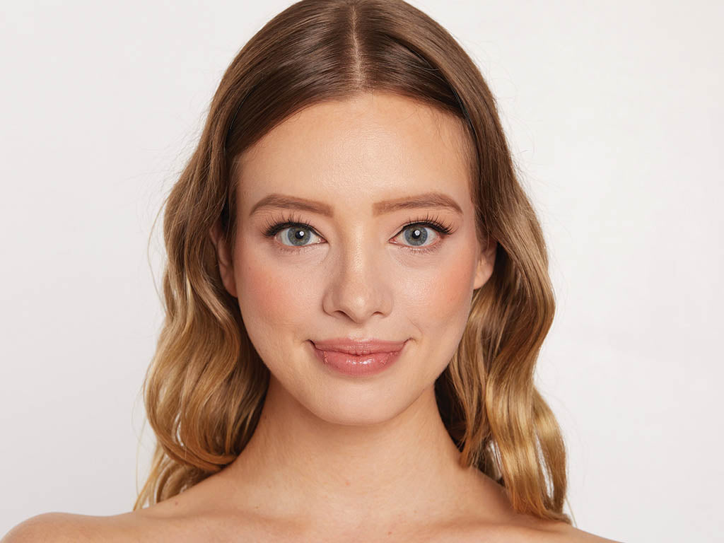 Hooded eyes and how to tell if you have them.