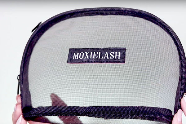 MoxieLash Luxe Bag is included in the MUA Kit!