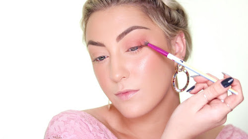 Apply pink eyeshadow to the lower eyelid for this MoxieLash eyeshadow look!