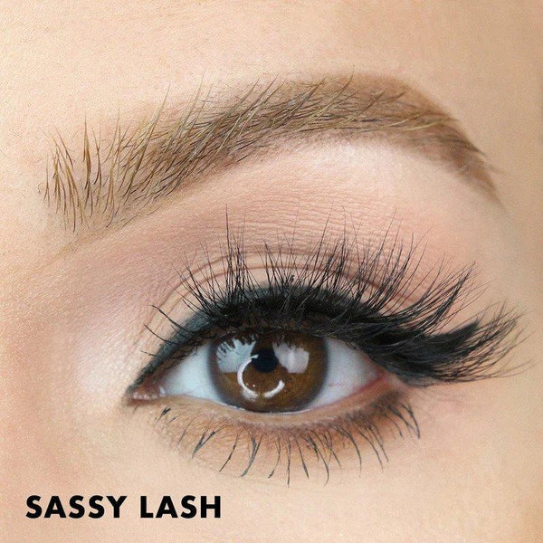 Sassy Magnetic Lashes from MoxieLash gives any eye shape a full and fluffy, lash extension look.