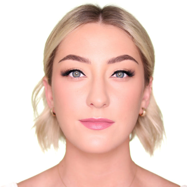 Best cat eye makeup look lashes for anyone.
