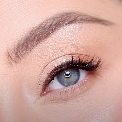 Here is the brown liquid eyeliner from MoxieLash. Learn the best way to apply this eyeliner for an all day lash hold.