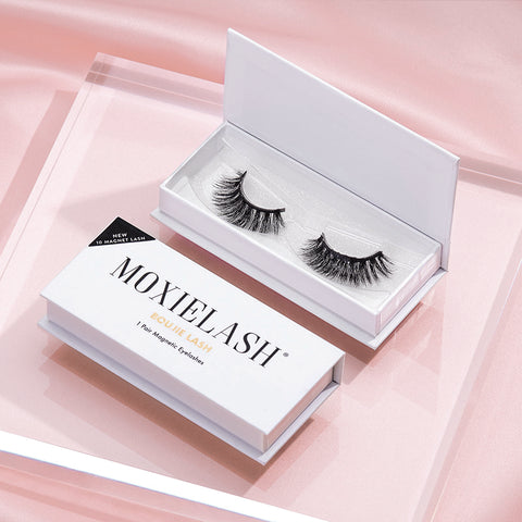 Looking for the best fall trend? Our dark black Boujie magnetic lashes are lash goals.