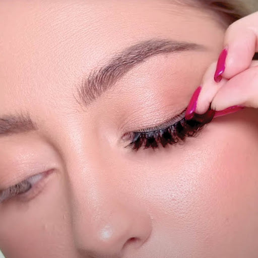 How to trim magnetic lashes for length.