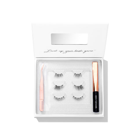 Here is out most natural magnetic eyelash style kit from MoxieLash!