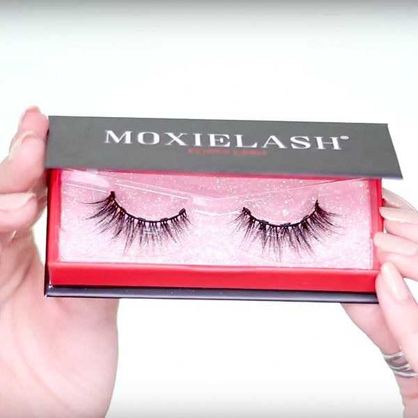 Flirty Lash is a gorgeous magnetic eyelash for Spring from MoxieLash.