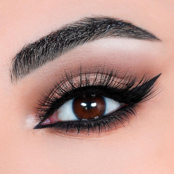 Sexy magnetic eyelash gives your eyes volume and length for a gorgeous cat eye look.