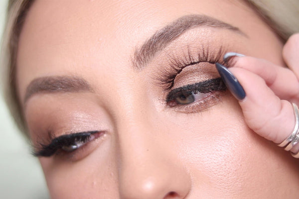 Last, apply your MoxieLash Baddy Magnetic Lash for a gorgeous lash look!