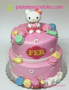 Pastel de Hello Kitty con Dulces