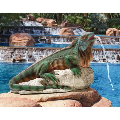 Ike The Iguana Spitting Piped Statue