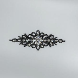 Diamond w/Oval Rhinestone Applique
