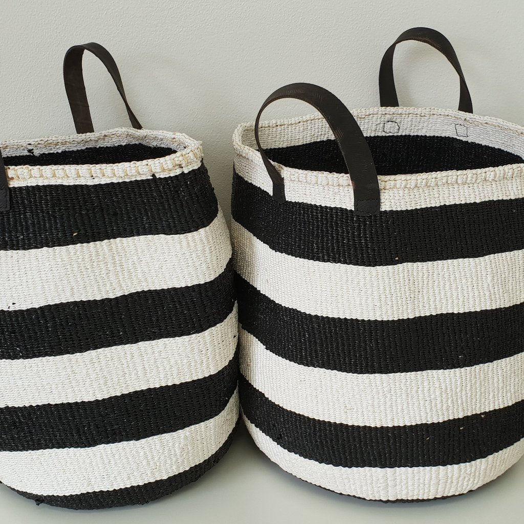 STRIPE RIGHT L Kiondo // Black and White Basket // Made of Sisal + Recycled Polythene + Recycled rubber handles