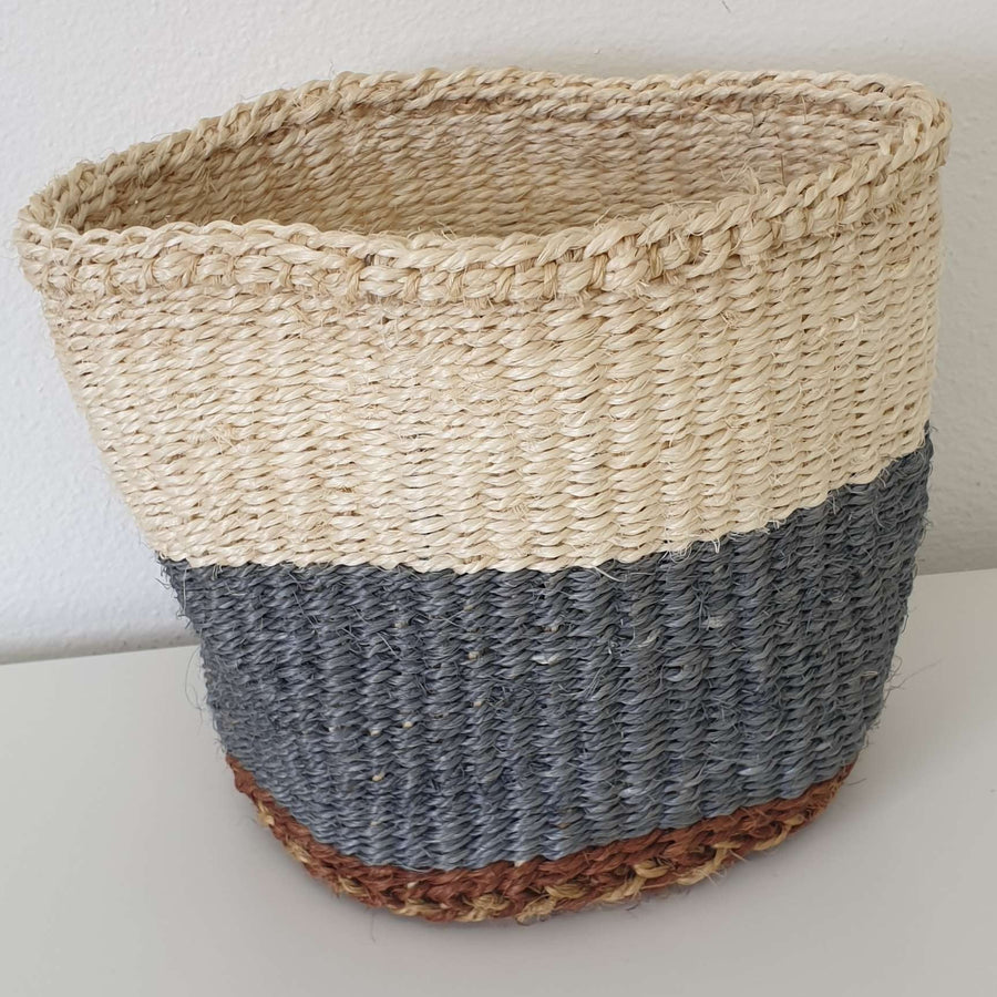 AU NATURALE // Natural sisal and dyes planter // Mini