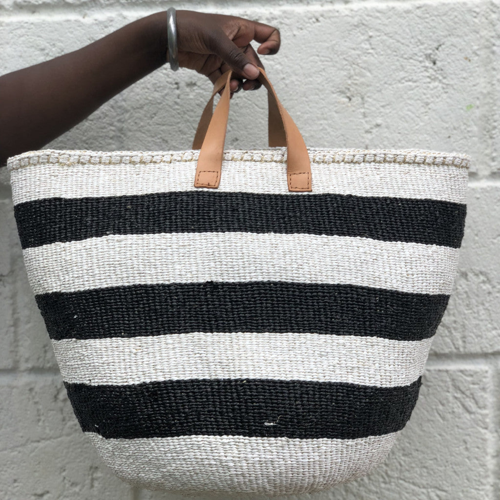 STRIPE RIGHT L Kiondo // Black and White Basket // Made of Sisal + Recycled Polythene + Short Leather Handles