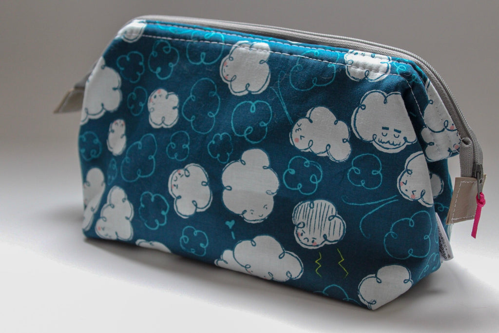 Medium Cloud Hinged Toiletry Bag