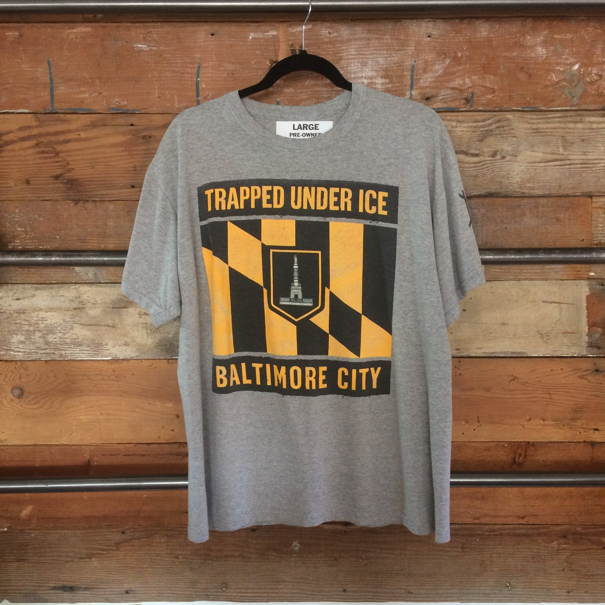 TRAPPED UNDER ICE - Baltimore City T-shirt (L)