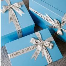Gift Boxes (Packaging) - P100