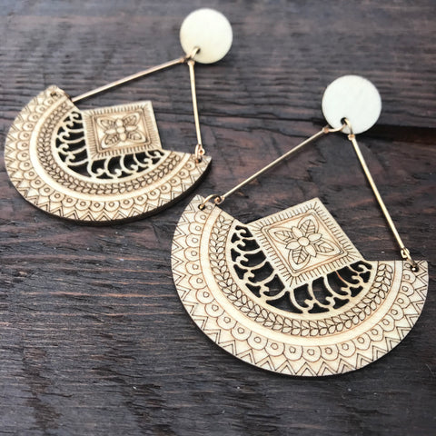'El Bosque' Tribal Design Mandala Earrings (Natural)