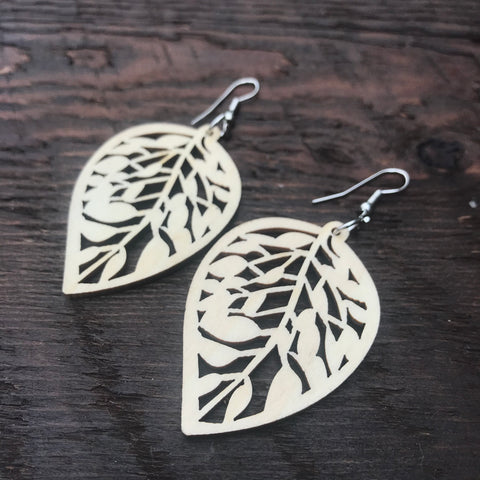 'El Bosque' Leaf Drop Wooden Earrings (Natural)