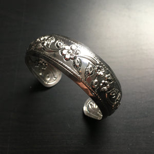 'Karen Hill Tribe ' Oriental Floral Design Convex Sterling Silver Cuff Bangle