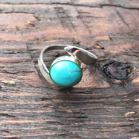 'White Isle' Blue Turquoise Stone Twist Design Sterling Silver Ring