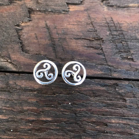 Sterling Silver 'Triskeles Circular' Design Stud Earrings