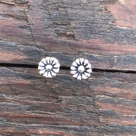 Sterling Silver 'Daisy Chain' Stud Earrings