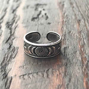 'Sun & Moon' Sterling Silver Toe Ring