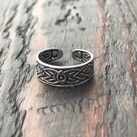 'Santee Sioux' Sterling Silver Toe Ring