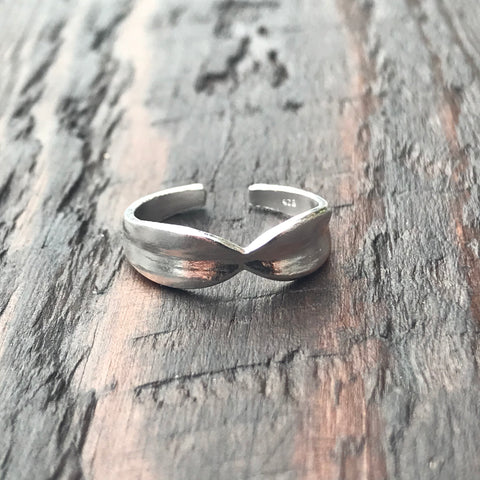 'Bow' Sterling Silver Toe Ring