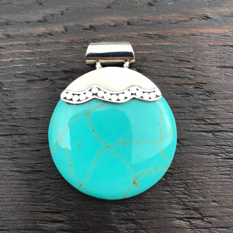 'White Isle' Statement Green Round Turquoise Pendant With Decorative Tip