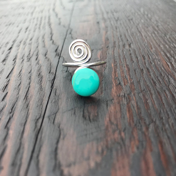 'White Isle' Green Turquoise Spiral Design Sterling Silver Ring