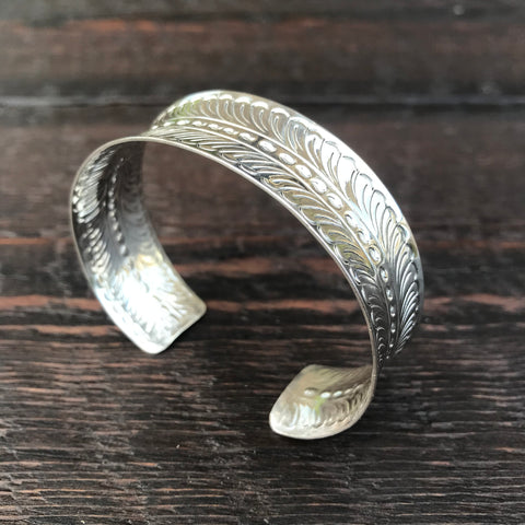 'Karen Hill Tribe' Ethnic Feather Design Cuff Bangle - Sterling Silver Bangle