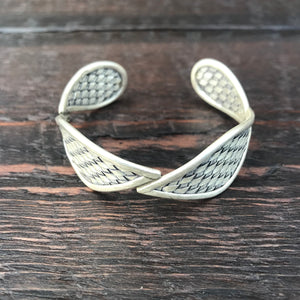 'Karen Hill Tribe' Diamond Weave Cuff Bangle - Pure Silver Hilltribe Bangle