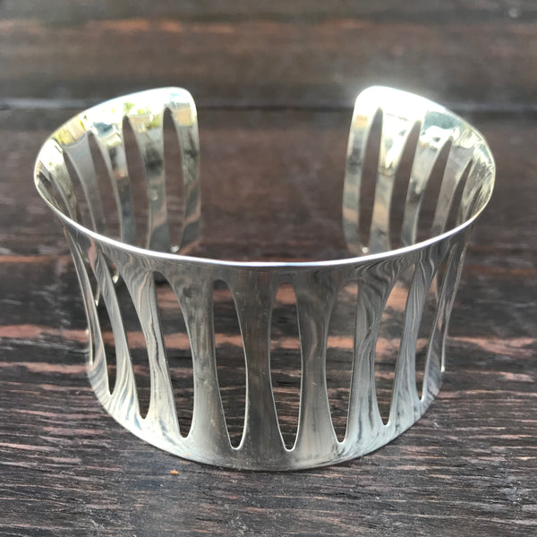 Oval Cut Out Sterling Silver Bangle