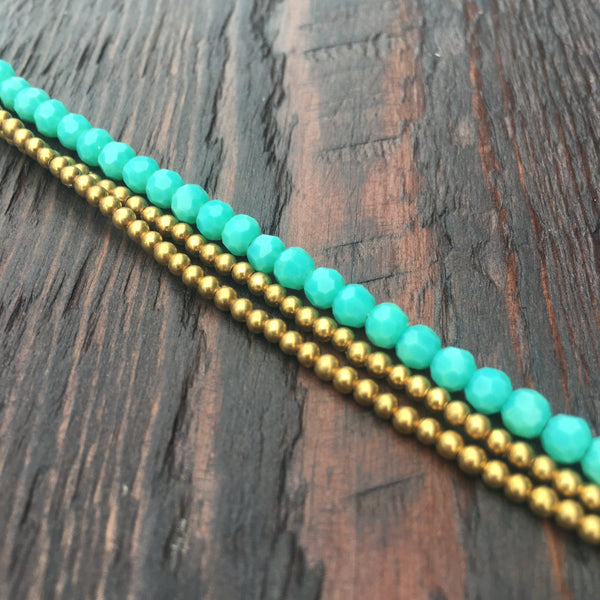 'Bead Love' Faceted Bead and Brass Bracelet (Green Turquoise)