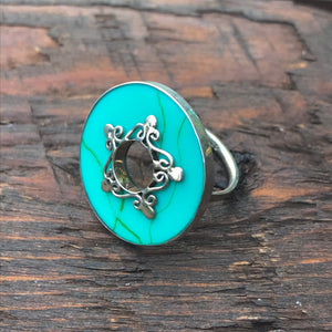'White Isle' Green Turquoise Abstract Design Embellishment Sterling Silver Ring