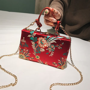 Queen Of Queens Box Clutch - Fashion UXO